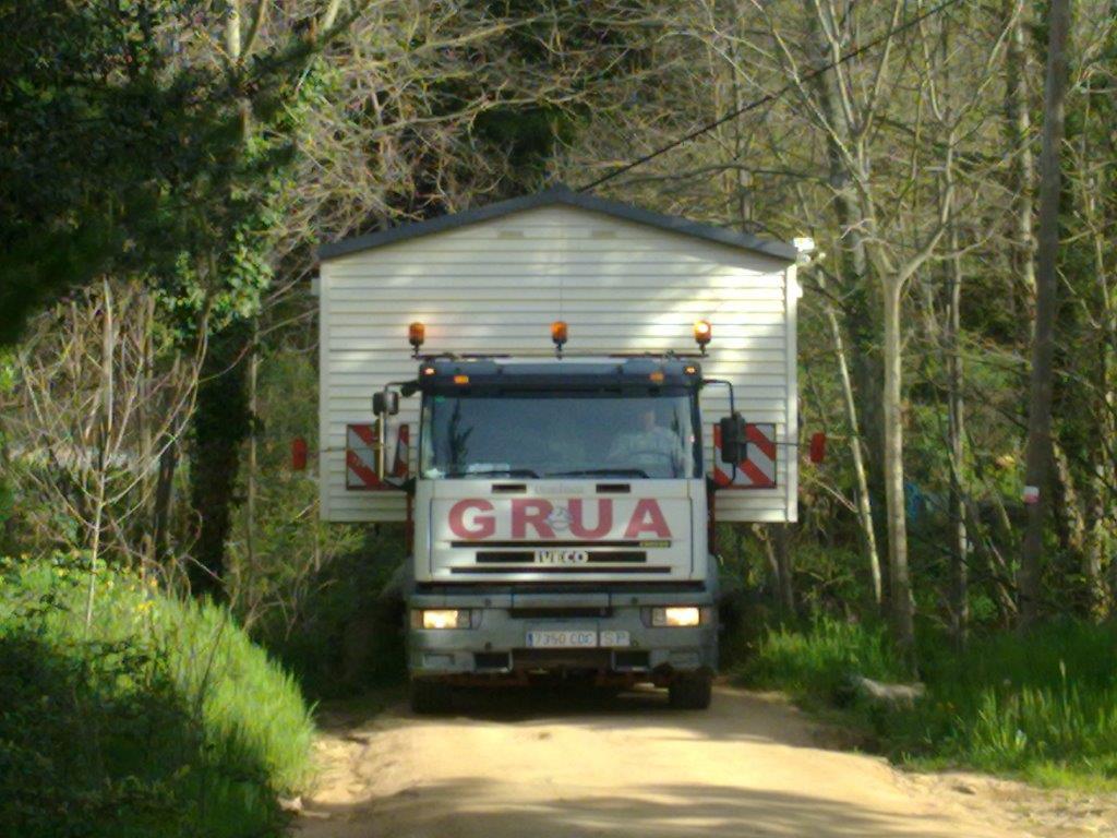 Transporte de módulos y bungalows 5